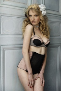 LE JUPONE DU TESS (LJT) Privee bra & high waisted panty